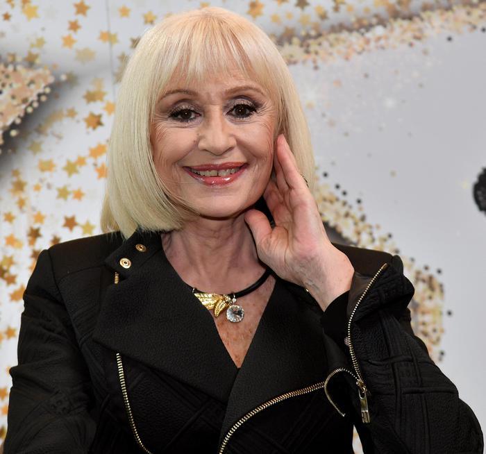 E' morta Raffaella Carrà, addio alla regina del varietà italiano