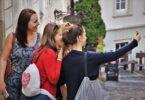 Selfie, non semplice foto: è il mezzo per ottenere l'approvazione altrui