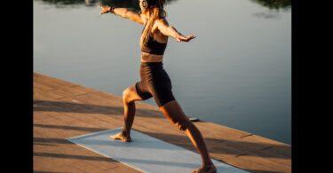 Denise Dellagiacoma pratica Yoga
