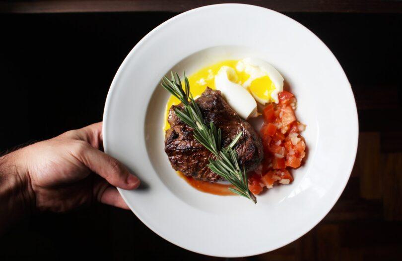 piatto di proteine