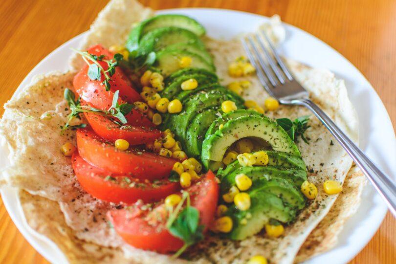 piatto di cibi vegani