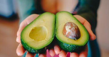 Un avocado al giorno contro il grasso addominale legato al diabete.