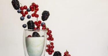 Pressione alta, il consumo di yogurt può aiutare ad abbassarla