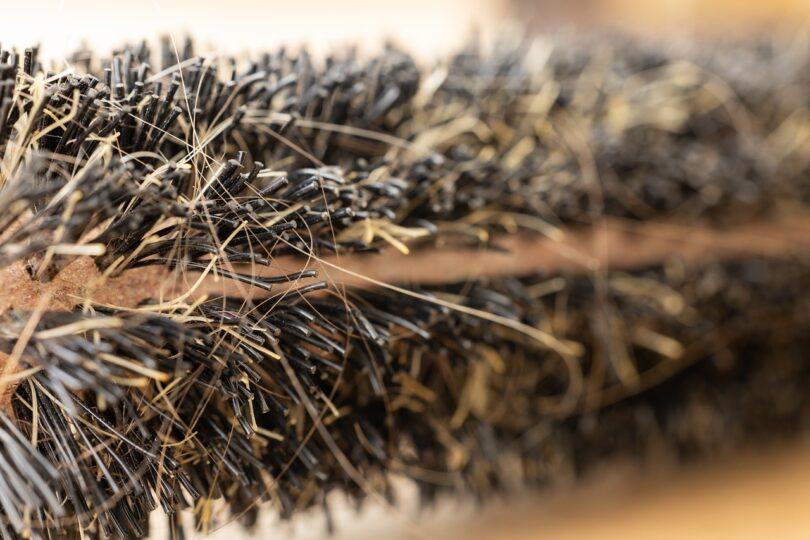 Caduta dei capelli, alcuni tipi di cibi possono peggiorarla. Ecco quali